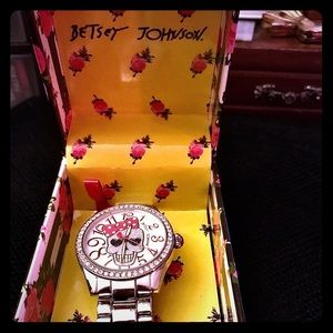 Betsey Johnson skull watch